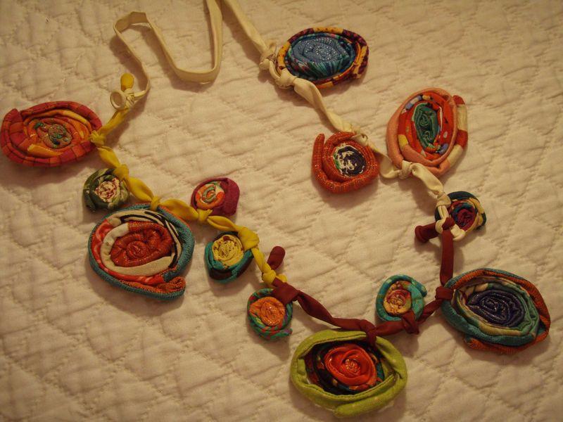 Balloon necklace 2