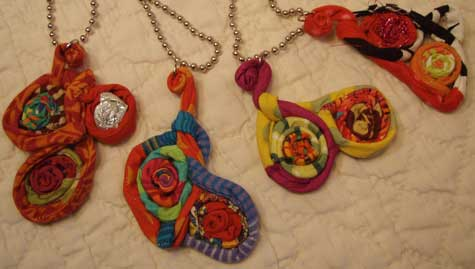 Small-amoeba-necklaces-2