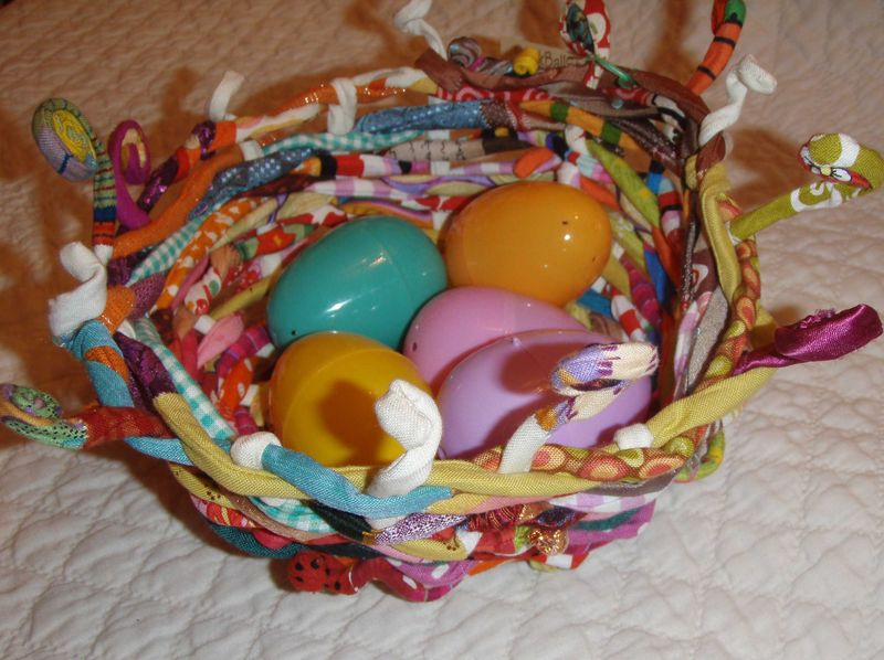 Sm-basket-with-eggs