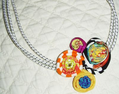 White bungee necklace jpg